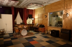 Studio C (recording area + Rehearsal room)